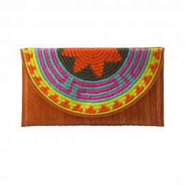 Sobre decorado con tapete Wayuu color naranja